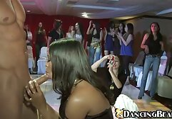 سینه کلان, به عنوان یک دیک نشانی از یک کار بزرگ در نگاه کردن فیلم سکسی انلاین یک صحنه بزرگ با یک گروه